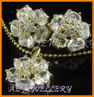 AS042F hite Topaz Floral  18K Yellow Gold Plated Cocktail Pendant Necklace Earrings Set