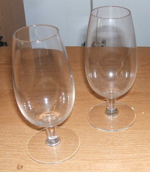Set Of 2 Clear Toddy Brandy Wine Glasses... Super clean!!  FREE SHIPPING, TOO!