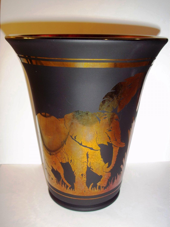 FENTON GLASS ELEPHANT WALK BLACK MARIGOLD CARNIVAL SAND CARVED LTD ED VASE PLATINUM COLLECTION 2005