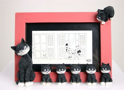 """""""Cats In A Line"""" Red Sculpture Picture Frame Mom & Baby Kittens Albert Dubout France"""