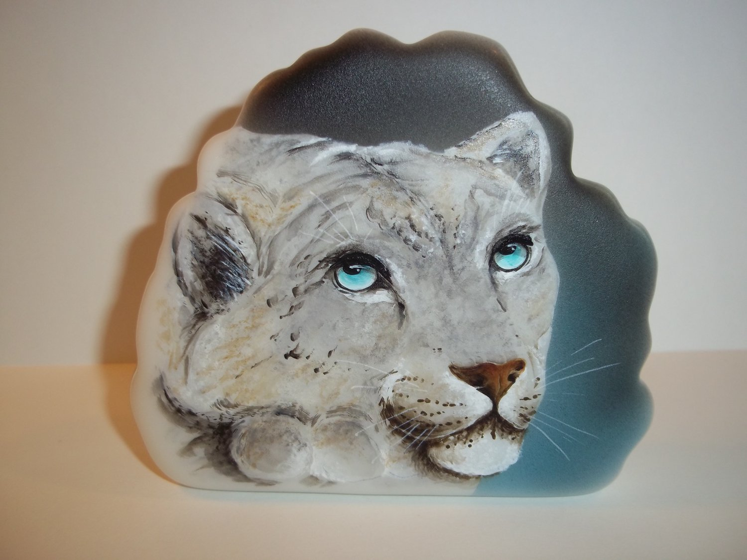 Fenton Glass Wild Cat Snow Leopard Paperweight Figurine Ltd Ed M Kibbe #3/11