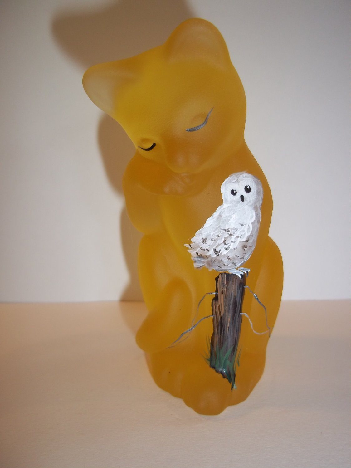 Fenton Glass Buttercup Yellow Grooming Cat w Snowy Owl FAGCA Exclusive Ltd Ed 25
