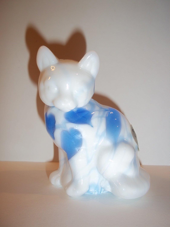 Fenton Glass Dave Fetty Hanging Hearts Blue & White Sitting Cat Ltd Ed Signed