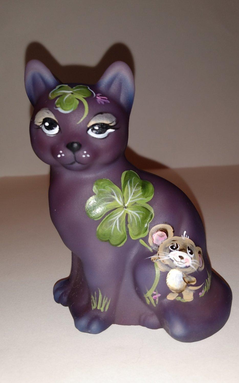 Fenton Glass Eggplant Purple Clover Mouse Sitting Cat Figurine Ltd Ed Kibbe #10/22