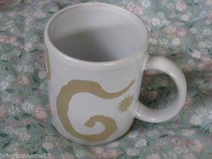 Oscar de la Renta Designer Perfume Coffee Mug Cup White Gold Swirl