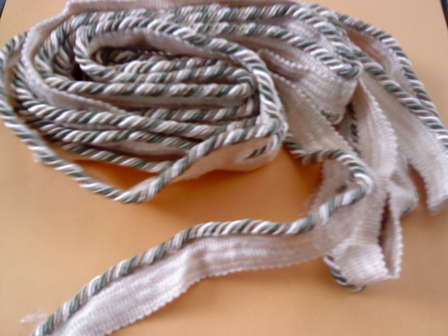 """91/2 YARDS 6"""" Tri-Colored Solid Pipings Flanged cord trimming Cordedge"""