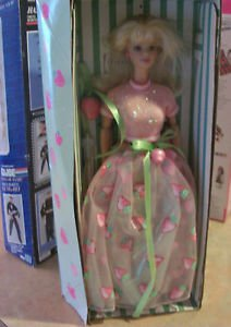MATTEL 1998 AVON EXCLUSIVE SPECIAL EDITION STRAWBERRY SORBET BARBIE NRFB