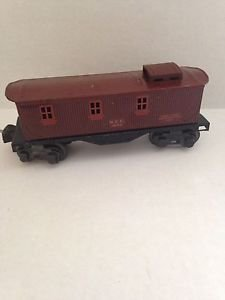 LIONEL PRE-WAR 1682 NYC 8 WHEEL CABOOSE - TIN LITHO - LATCH COUPLER