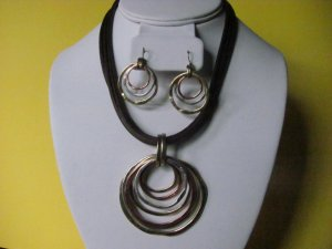 Geometric Pendant Circle Necklace Earring Set