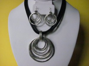 Geometric Circle Pendant Necklace Earring Set
