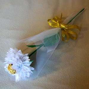 Tissue Paper Rose with Chocolate Handmade Flower Wrapped with Tulle Valentine's Day Gift White