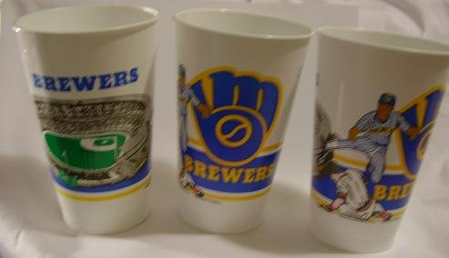 3 BREWERS COUNTY STADIUM OLD LOGO PLASTIC CUPS GLASSES
