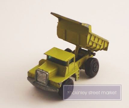 VINTAGE MATCHBOX SERIES NO 28 DUMP TRUCK