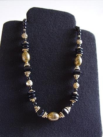 VINTAGE COSTUME NECKLACE BLACK AND BLACK/GOLD BEADS