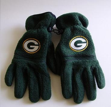 PACKERS FLEECE GLOVES FIT YOUTH OR LADIES SMALL
