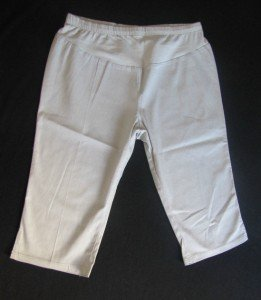 NWT TWO HEARTS BEIGE VERSATILE MATERNITY CAPRIS W/HALF PANEL FRONT SIZE XL FREE SHIPPING