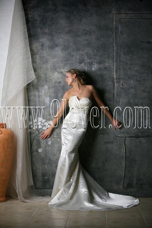 2012 V-Neck Ruche Slim-line simple wedding dress 9lover0004
