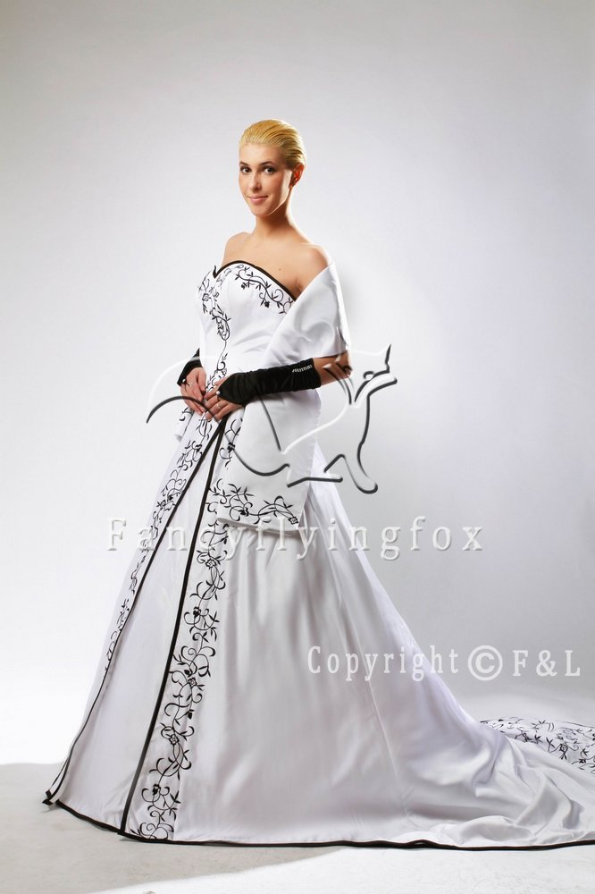 Strapless Black Embroidery Wedding Dress with Shawl MK101
