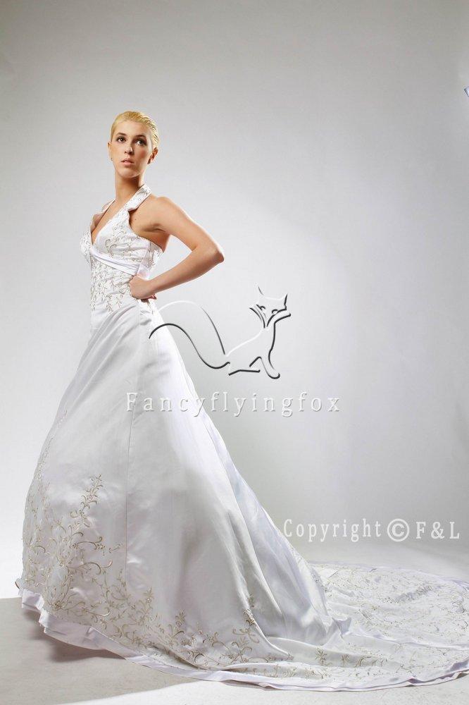 White Halter Emboridery Satin Cheap Bridal Gown 25639