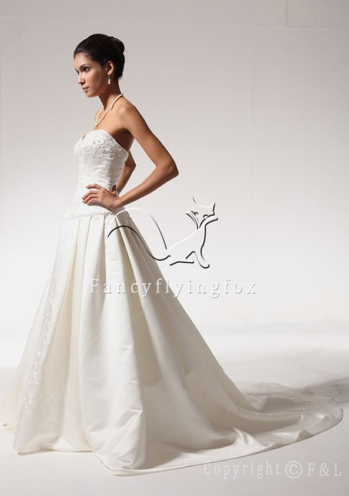 Sweetheart Western Wedding Gown 7WG3103