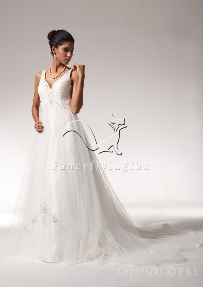 V-Neckline Tulle Bridal Gown Dress 7SML9790