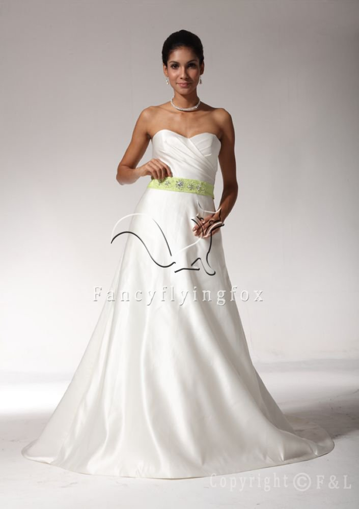 2013 Exquisite Wedding Dress with Waistband YP3344