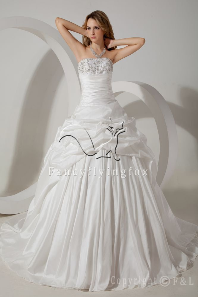 classic strapless ivory taffeta ball gown floor length wedding gowns with pleats IMG-1524