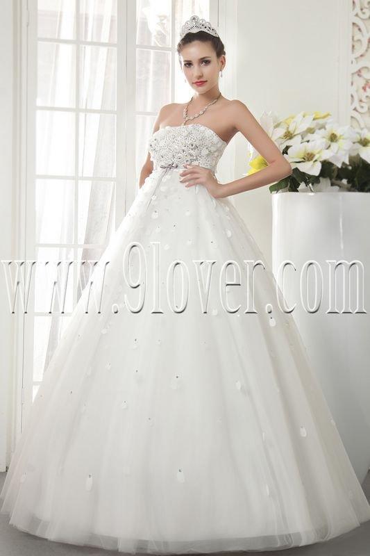 classic white tulle strapless ball gown floor length wedding dress IMG-5504
