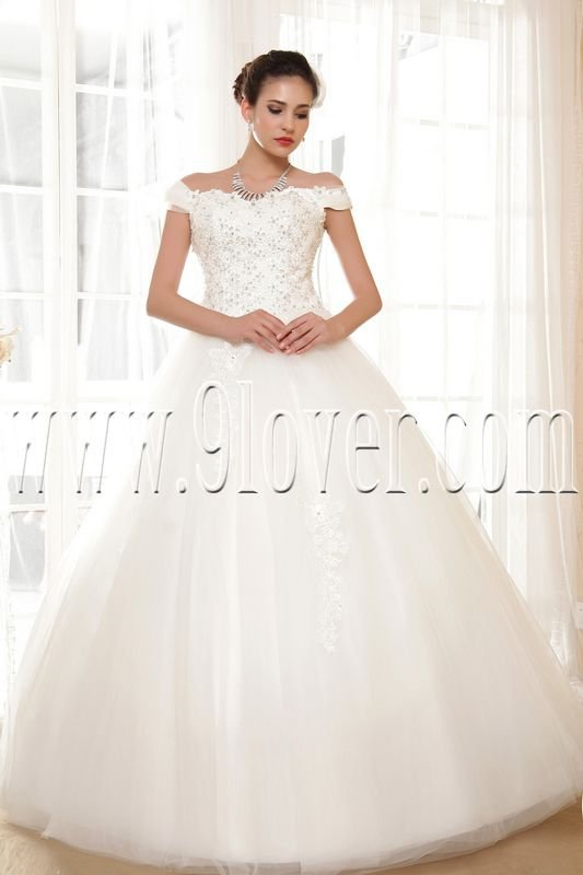 classic off the shoulder ball gown floor length wedding dress IMG-5622