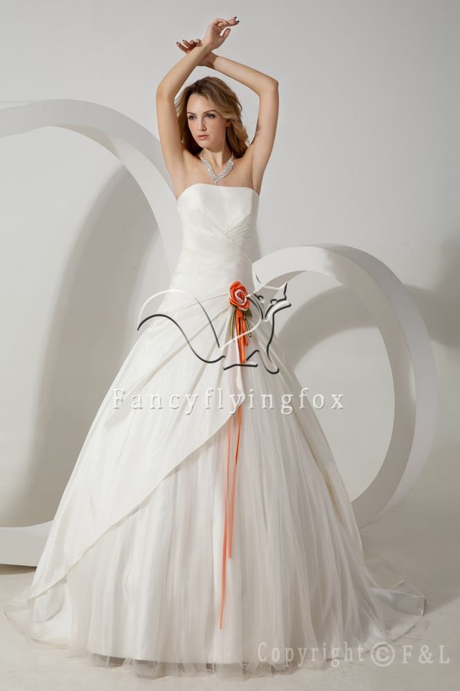 classic white satin and tulle strapless ball gown floor length wedding dress IMG-1643