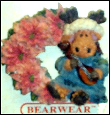 BRAND NEW BOYDS BEARS POINSETTIA WINTER BEAR PIN BEAR WEARABLES SO CUTE