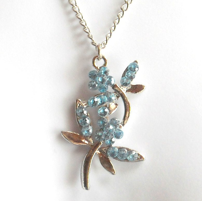 Austrian Crystals London Blue Multi Stone Faceted Flower Fashion Necklace