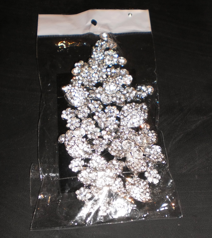 silver pin/brooch