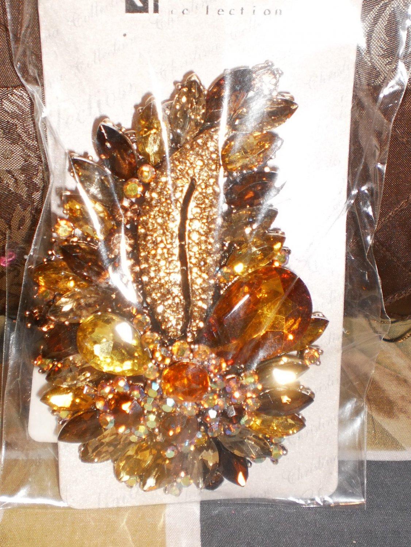 gold rhinestone brooch/pin