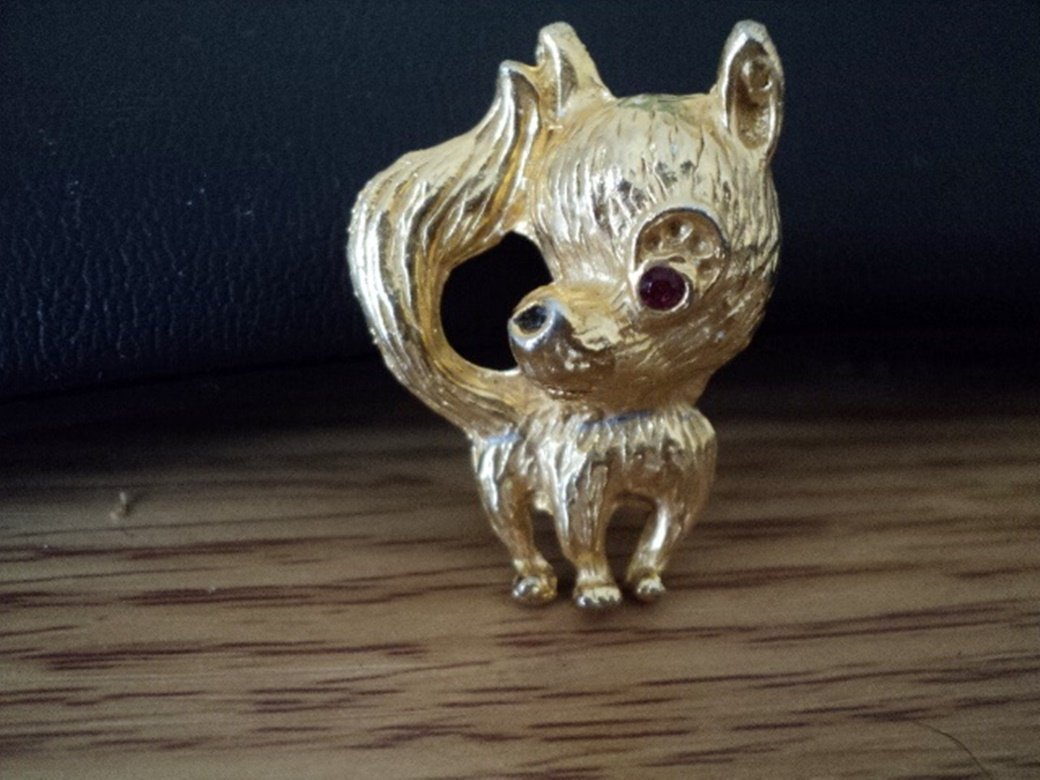 Gold Tone Small Chihuahua Pomeranian Dog Brooch #00170