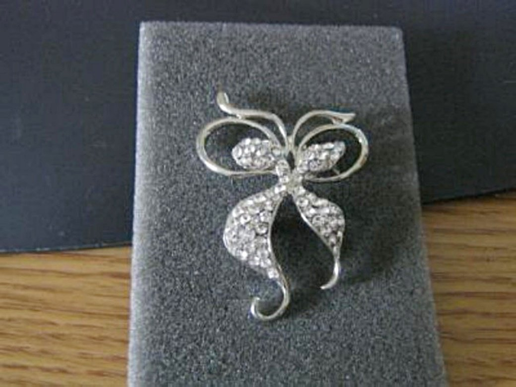 Beautiful Silver and Rhinestone Swirl Brooch  #00024
