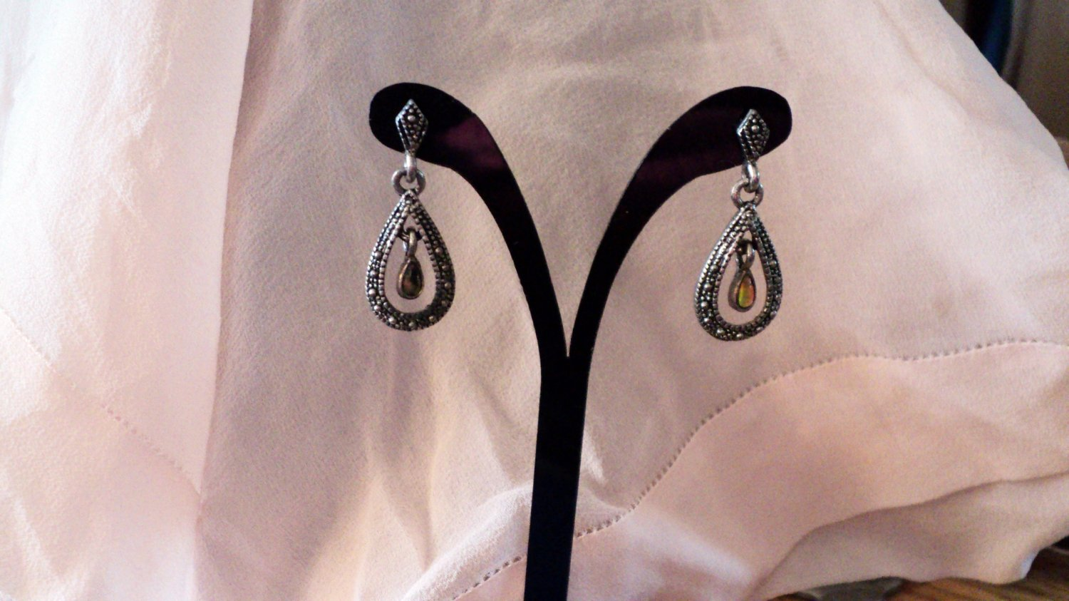 Silver Tone Tear Drop Dangle Earrings with Center Stone #00231