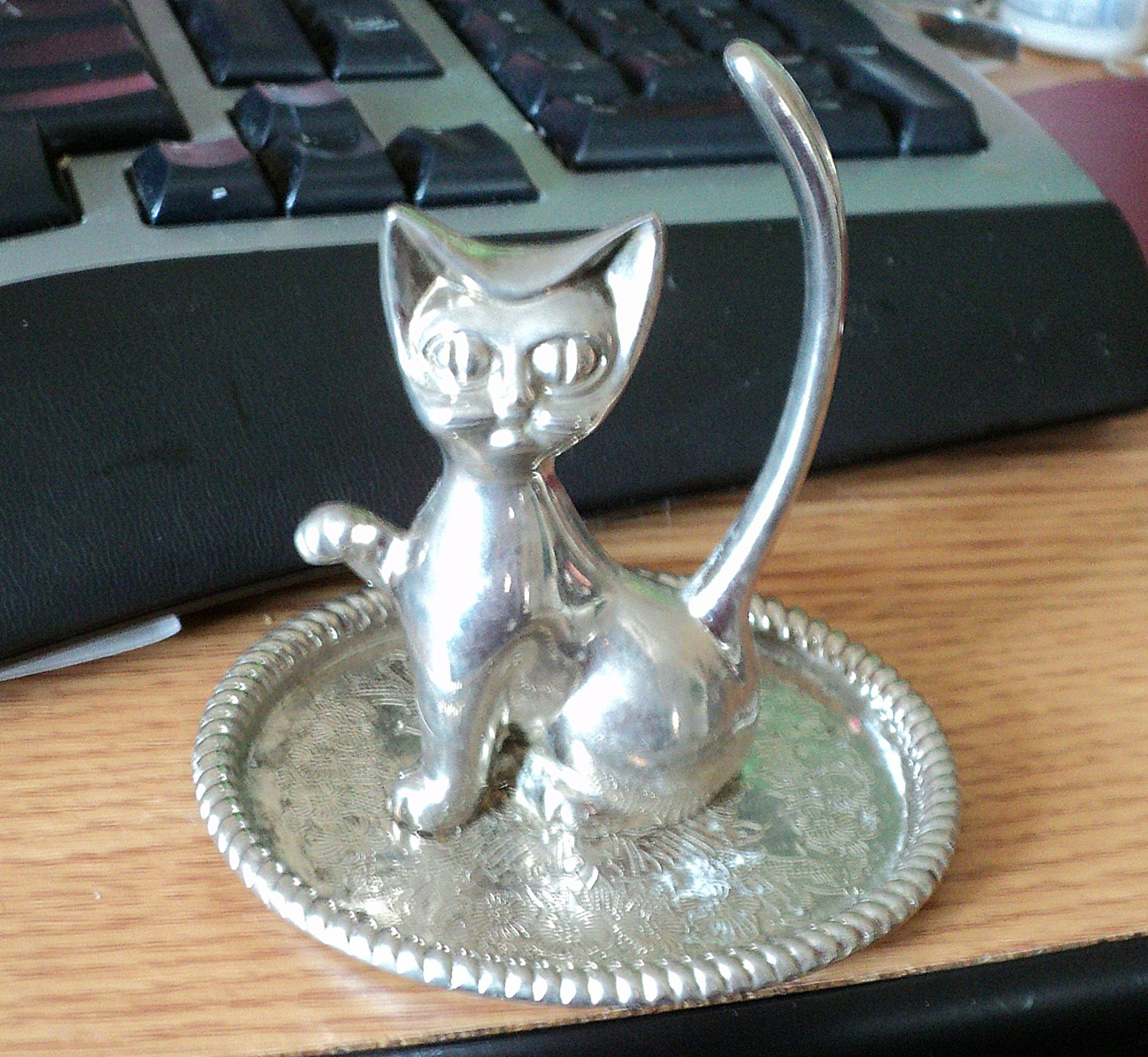 Silver Plated Cat with Huge Eyes Ring Holder with Tray #00243