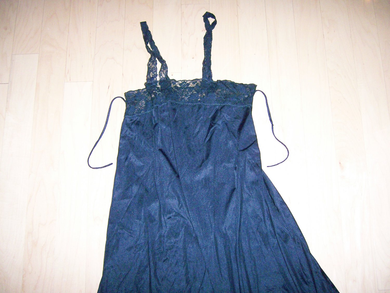 Ladies/Misses Black Long Nightie
