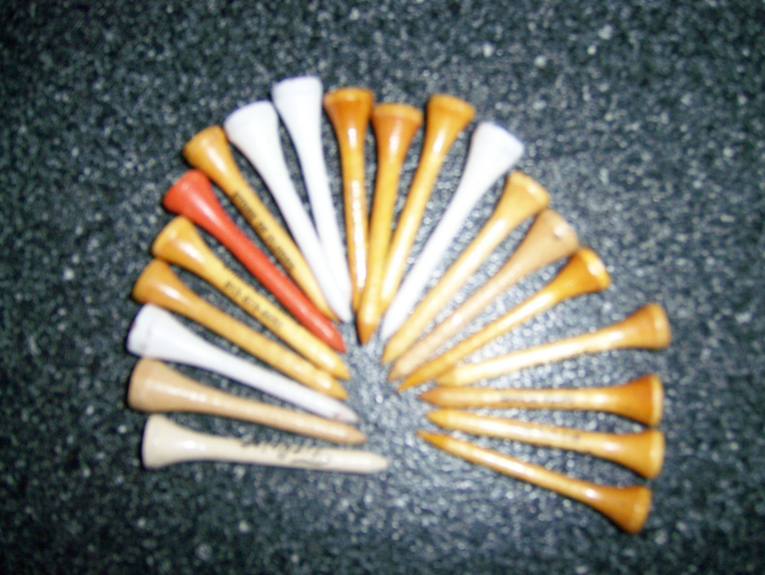 Set Of 20 Assorted Golf Tees