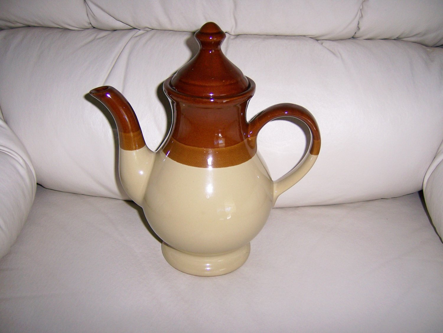 Tea Pot Clay Type With Cover