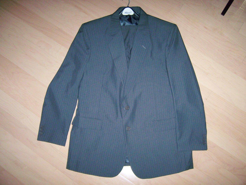Men's Charcoal Suit Size 44 Long BNK272