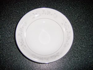 Fine China Serving Bowl w Platinum Rose Design BNK514