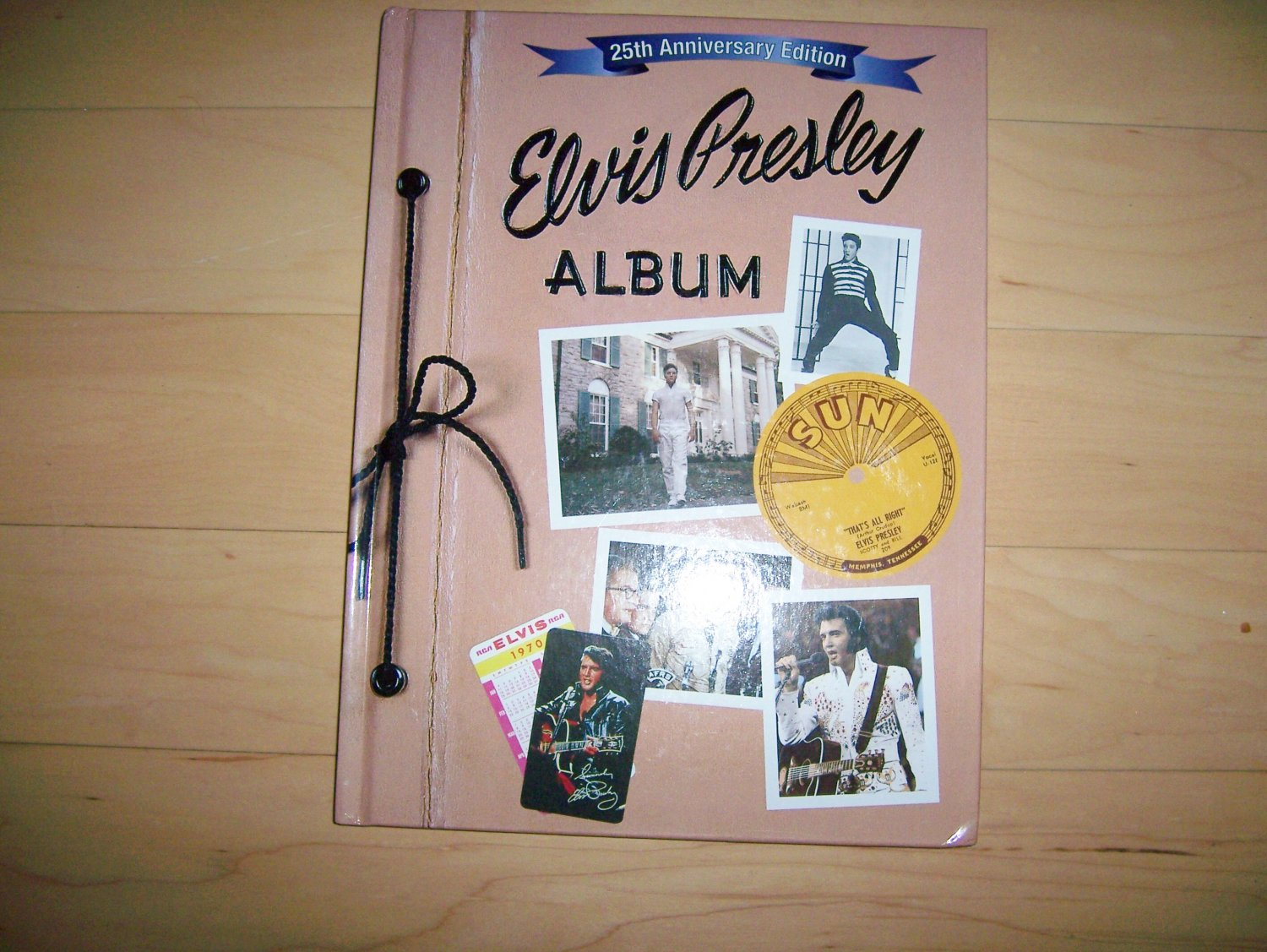 """Elvis Prsley Album"" The King Of Music Forever  BNK557"