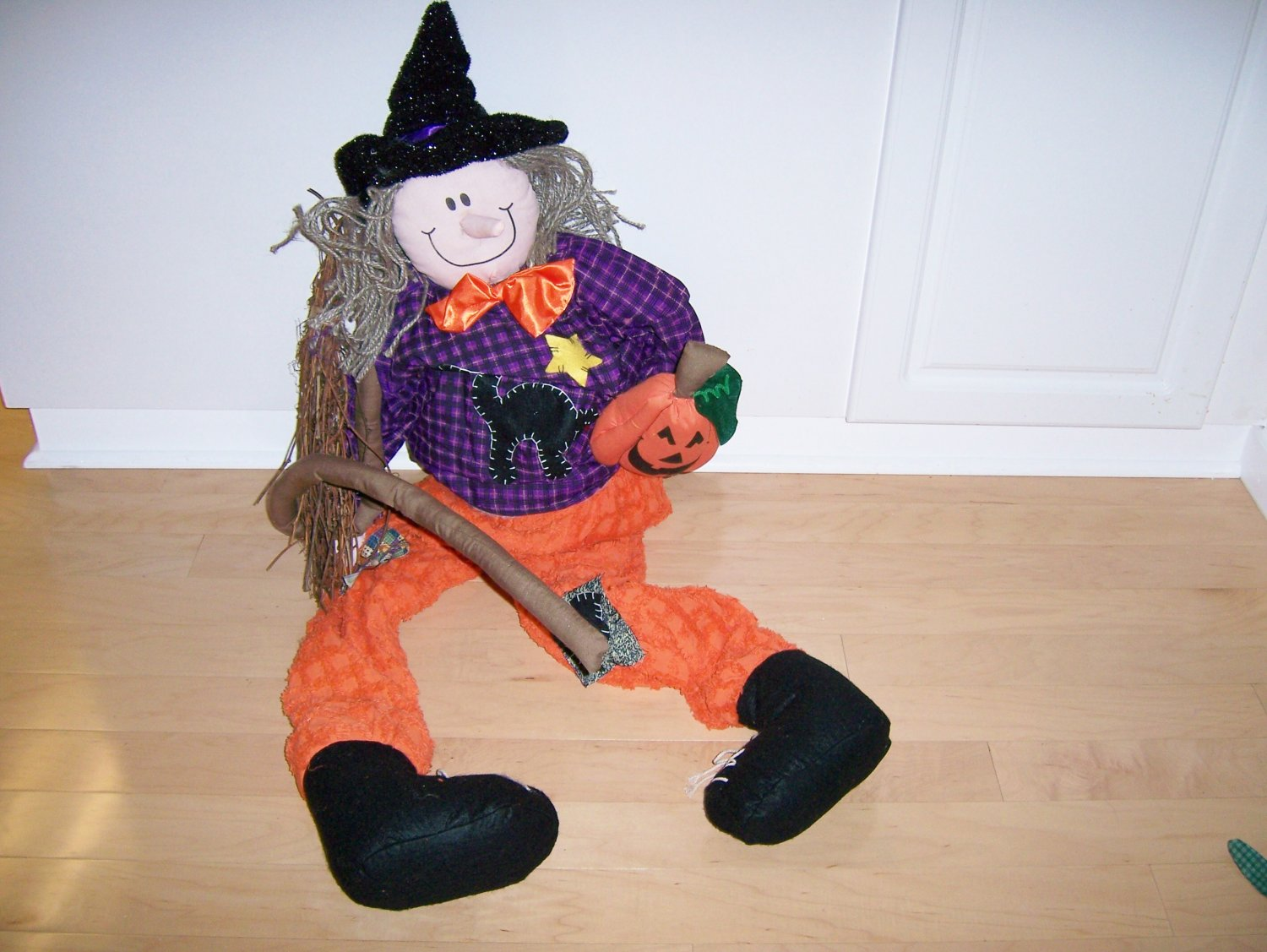 Tall Scarecrow For Halloween & Thanksgiving Greeting  BNK576