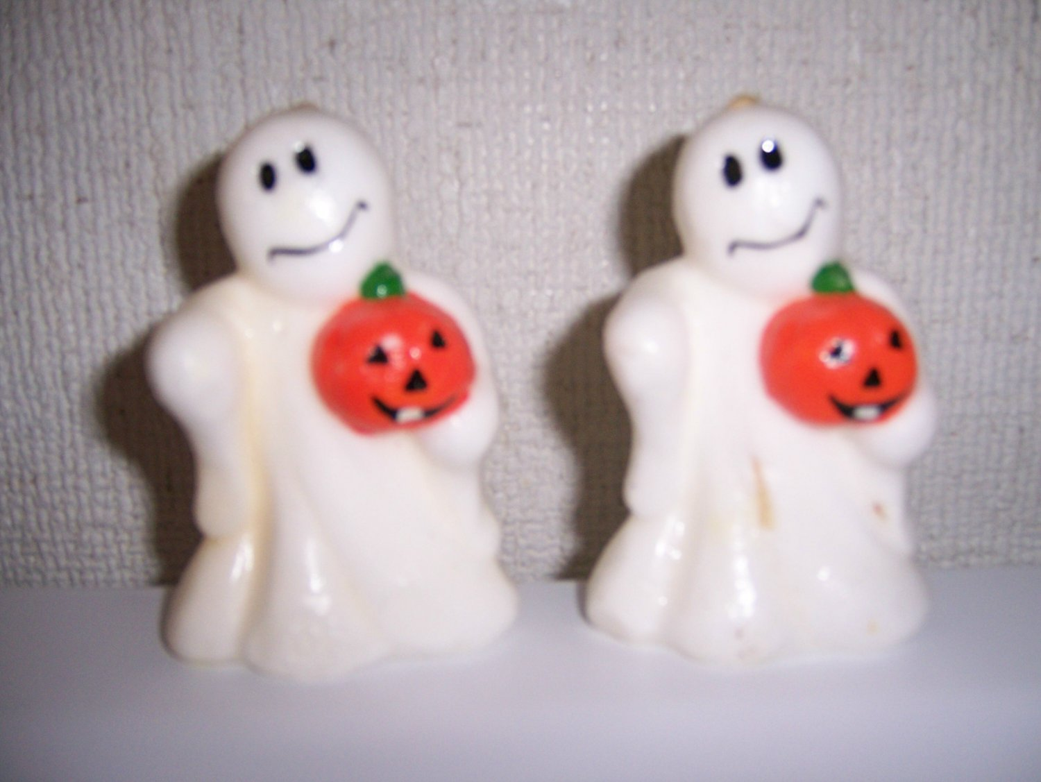 Set Two Friendly Ghosts For Halloween & Thanksgiving BNK583