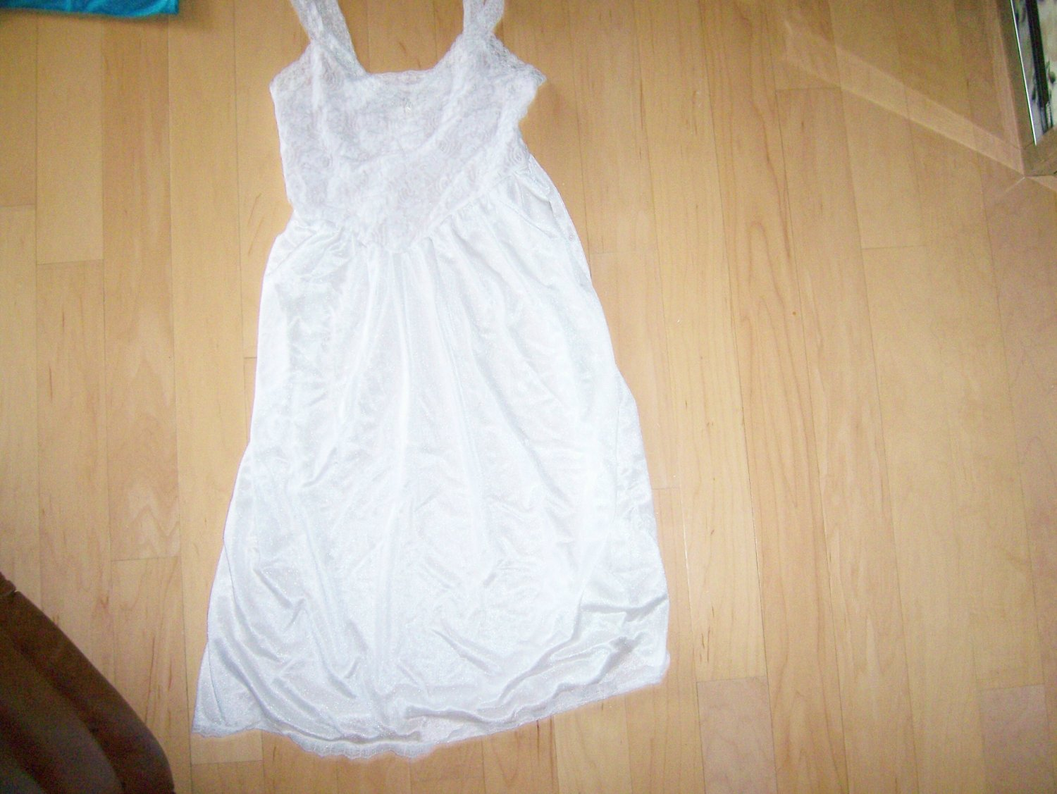 White Ladies Slip Size 34 BNK618