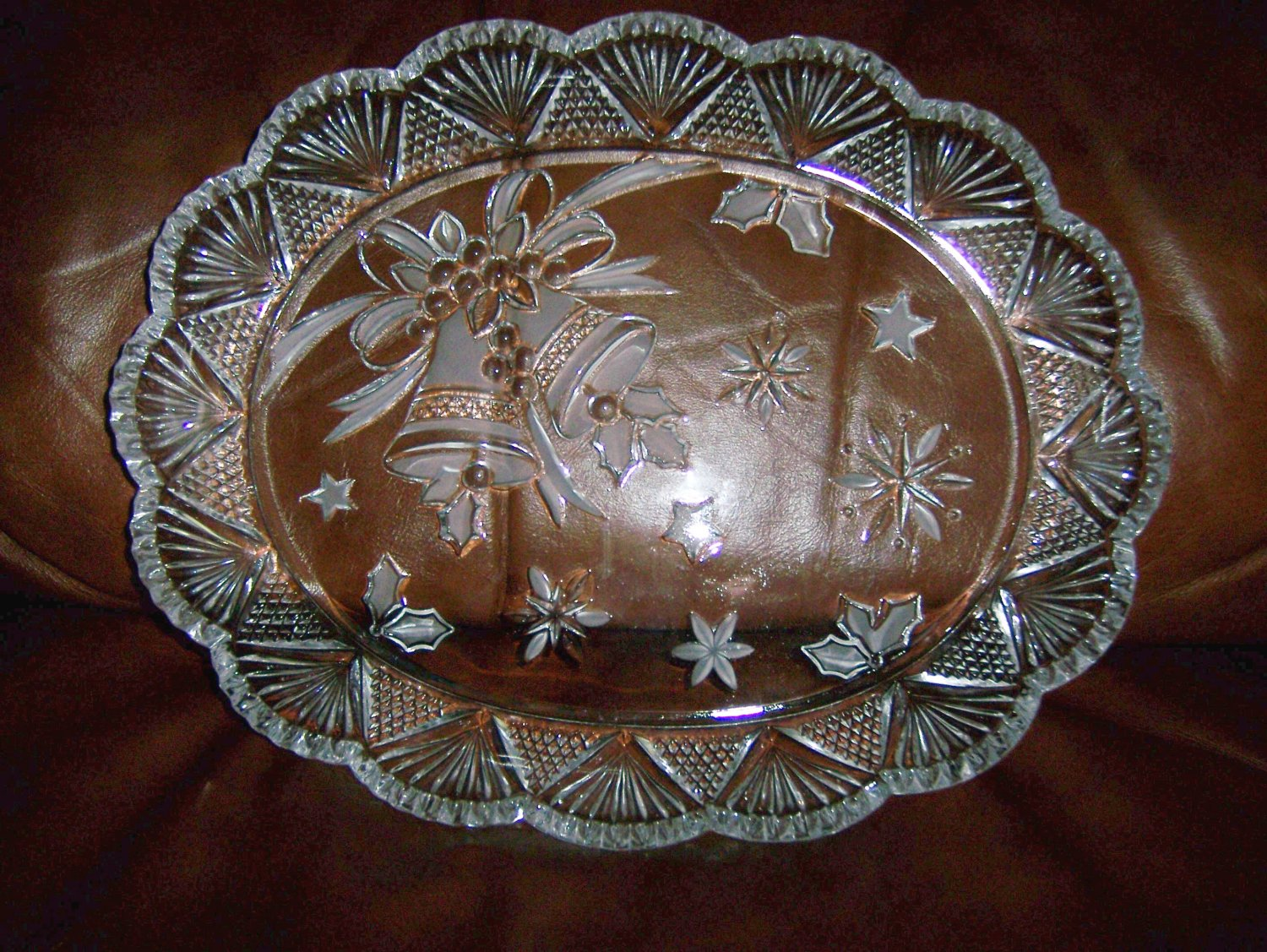 """Oval Serving Plate Glass 12""""x10"""" BNK661"""