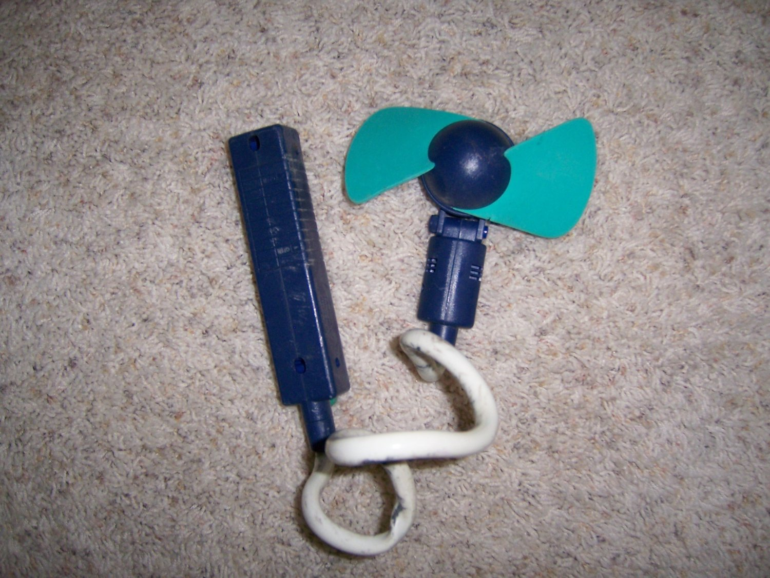 Hand Fan Cord To Attach To Hand Or Object  BNK882