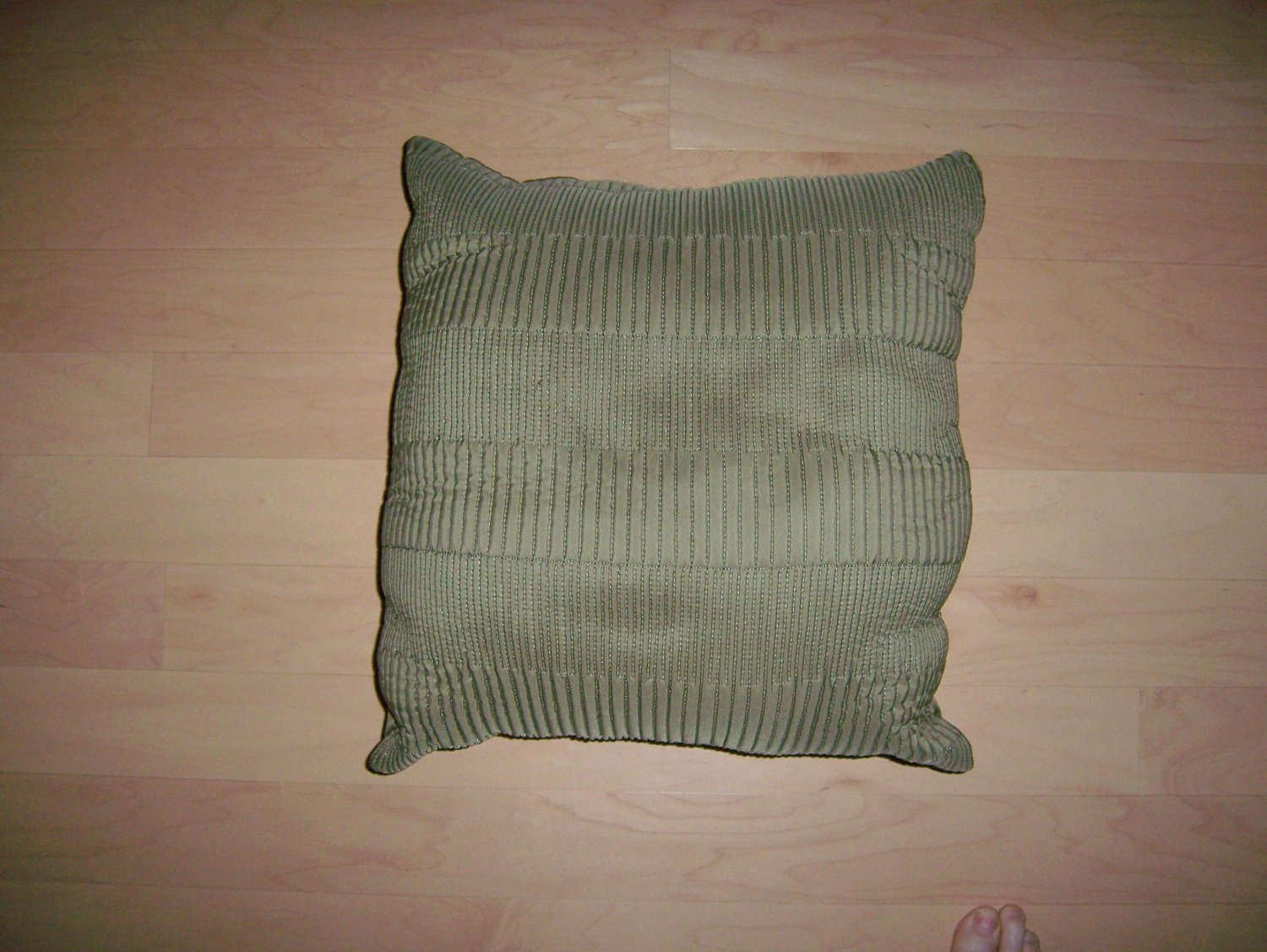 "Pillow Green 15"" Ribbed  BNK927"